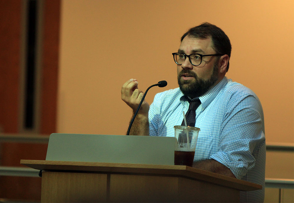 Aaron Sharockman, BAJ'03, executive director of Politifact, speaks to the High School Journalism Institute in 2018.